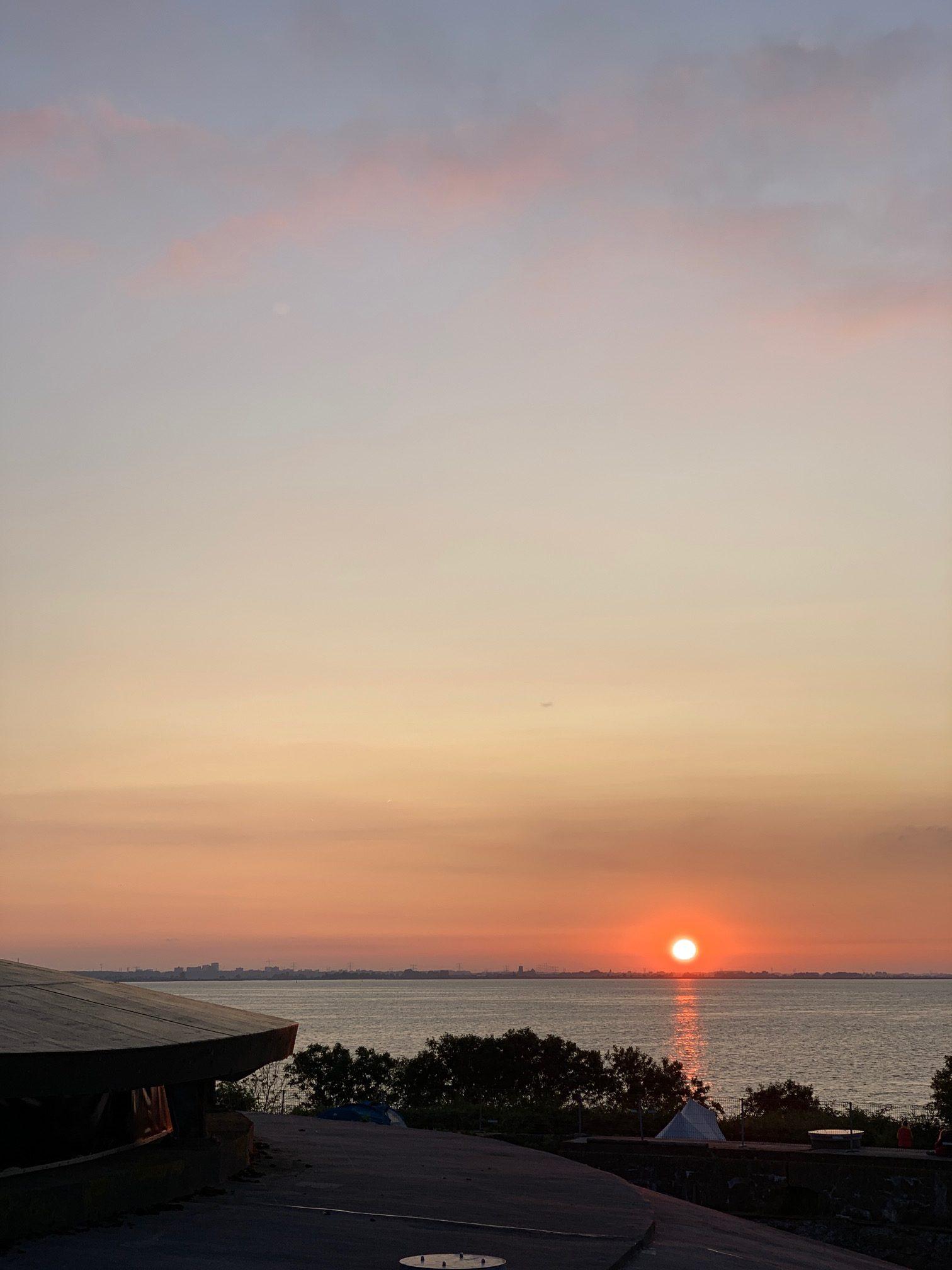 Pampusnachten ondergaande zon op Pampus