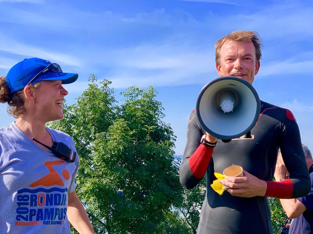 rondje pampus sportvisserij nederland coalitie blauwe hart natuurlijk cheque goed doel ijsselmeer tom van nouhuys