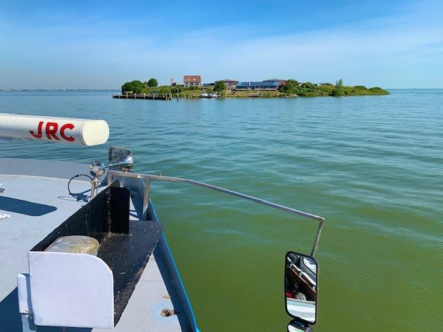 forteiland pampus vanaf het water gezien