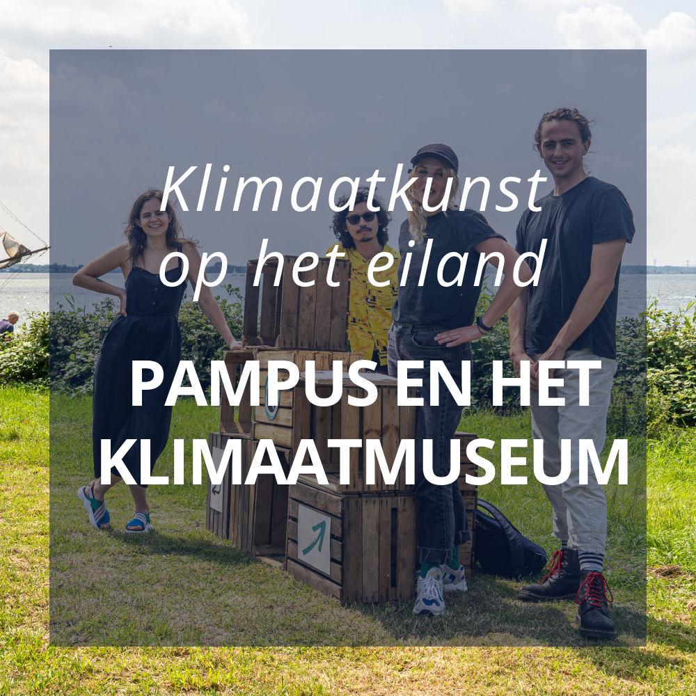 kunstenaars poseren op pampus voor het project Het Klimaatmuseum gaat voor Pampus