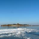 kruiend ijs pampus wandelaar