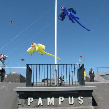 Puur Pampus een festival op forteiland Pampus over duurzaamheid met vliegers